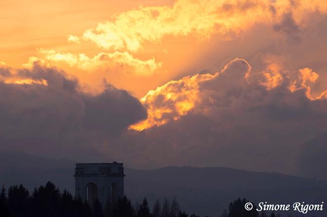 _DSC1400 Nuvole baciate dal sole